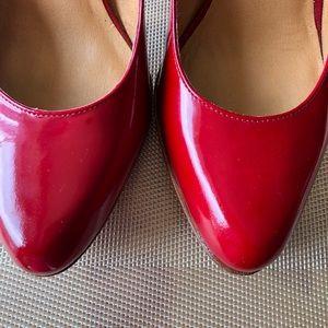 Steve Madden red patent leather, platform pump